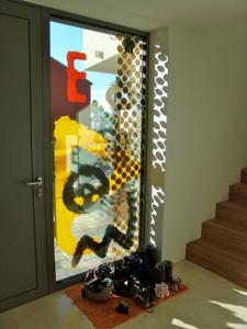 Glasfläche und Tür