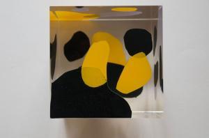 cube bleu noir jaune